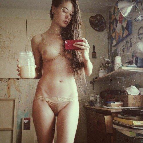 фото девушки из соц сетей голые