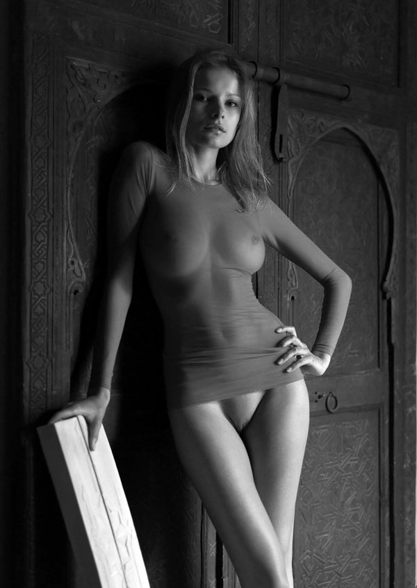 порно модели в платьях фото