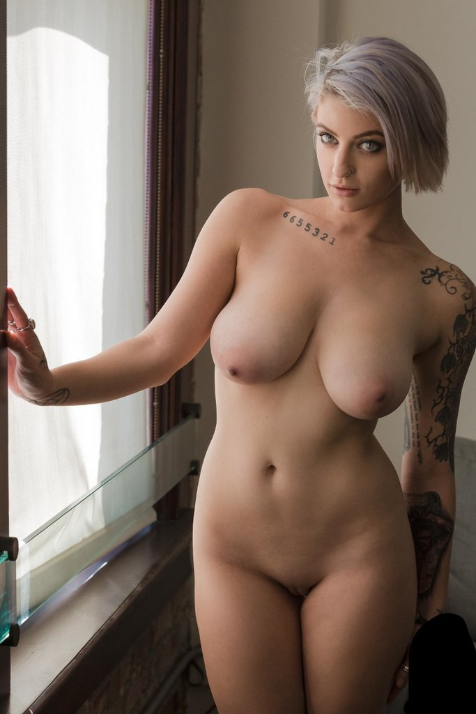 Hot curvy pron star women